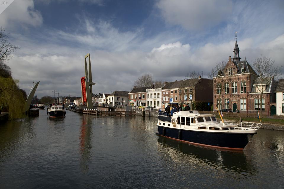 Most u Nieuwegeinu