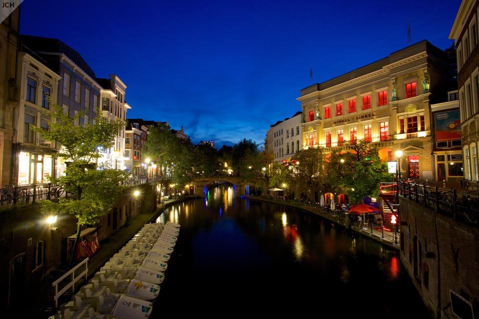 Noční Utrecht