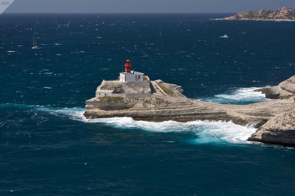 Maják upřístavu Bonifacio
