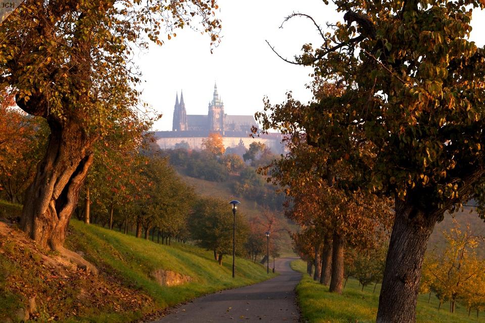 Podzimní ráno na Petříně