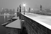 Zasněžený most