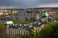 Pražské mosty na jaře
