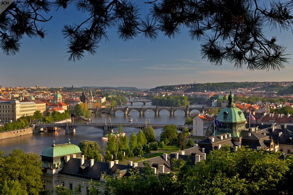 Pražské mosty na jaře II.