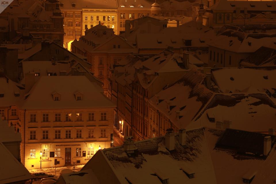 Pražské ulice astřechy